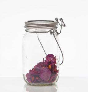 12-rosenblaetter-im-sonnenglas